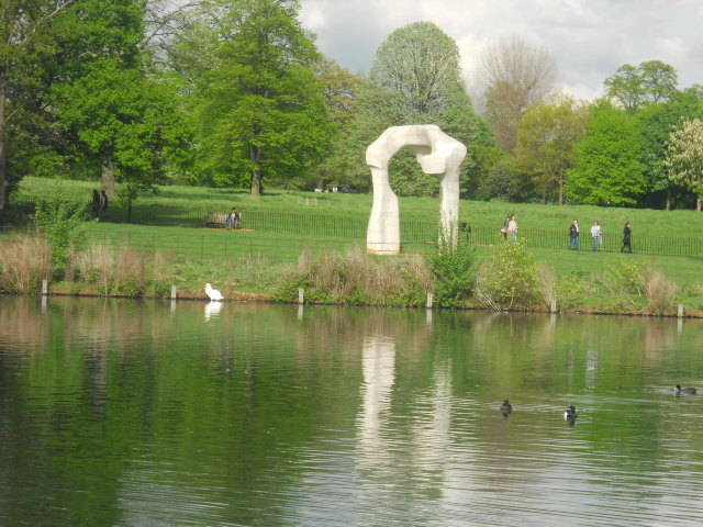 kensington gardens, kensington palace, the long water, the arch, henry moore