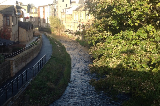 Stockbridge, Edinburgh, river, bridge, dappled sunlight