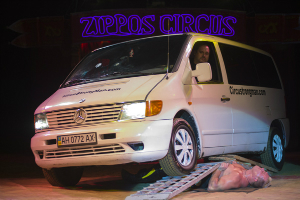 Zippos Circus, Unchained