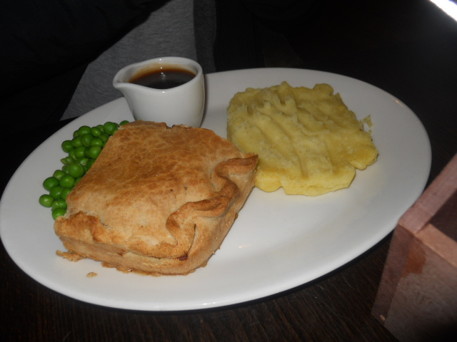 the slug, wimbledon, pub, steak & ale pie. mash