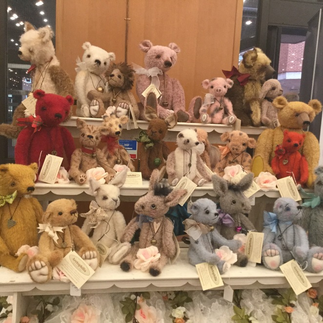 hugglets, teddies, winter fest, arctophilia, lanie Edwards Murphy