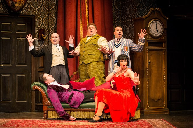 the play that goes wrong, mischief theatre company, farce, birmingham rep