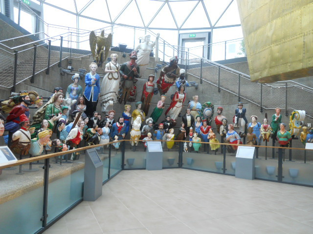 cutty sark, ship, merchant vessel, museum, greenwich, figureheads, long john silver
