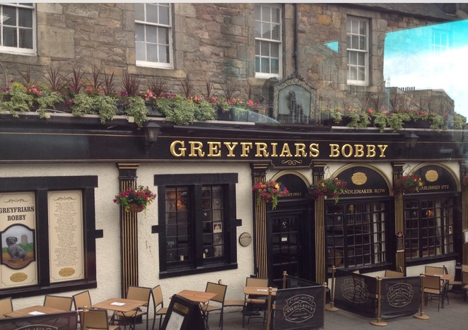 Edingburgh castle taverns Grey Friars Bobby