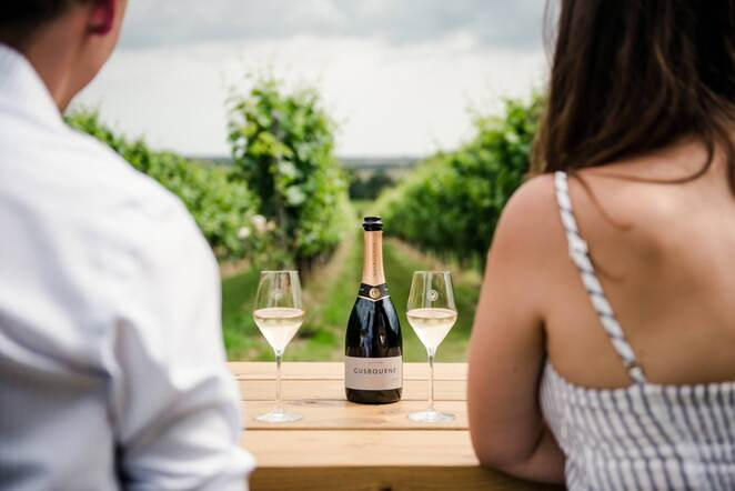 A gift with a difference with English sparkling wines