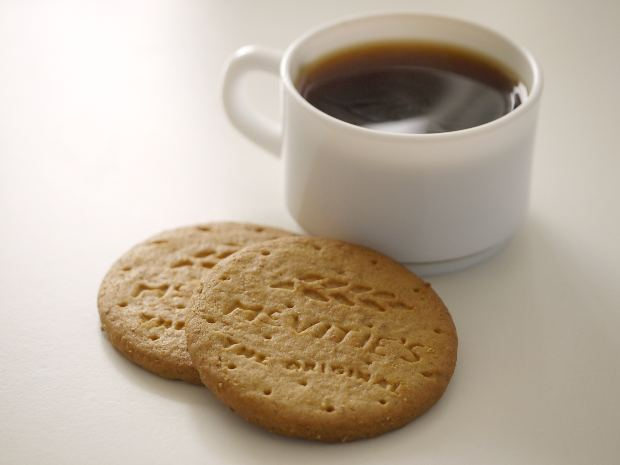 digestives, mcvities, tea