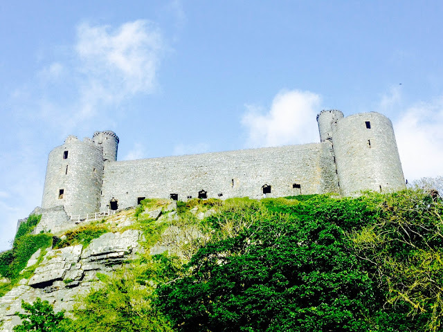 harlech, harlech caste; gwynedd, thing to do in harlech, snowdonia national park; cambrian coast; cardigan way; cade wales; visitwales; llew glas