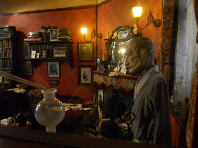 sherlock holmes, pub, collection, artefacts