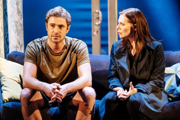 The Girl On The Train, Samantha Womack, Alexandra Theatre Birmingham, Theatre Review, Oliver Farnworth, Paula Hawkins