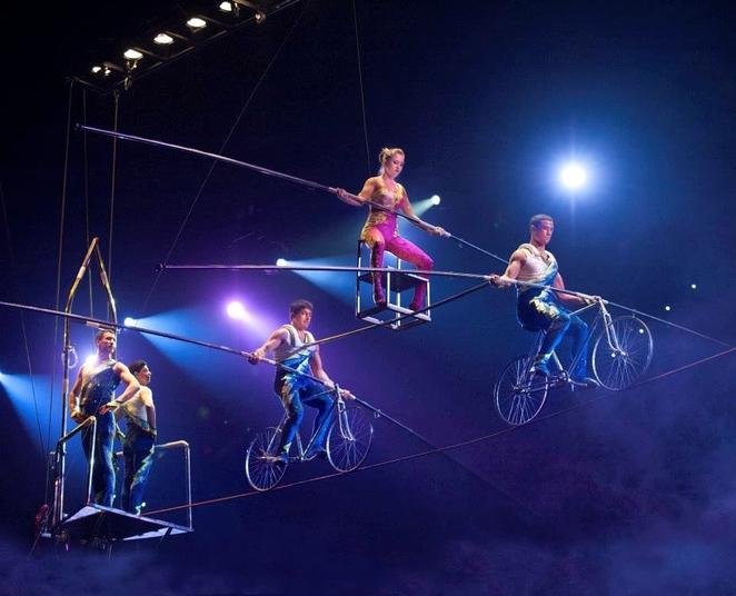 Circus Extreme, show, event city, school holidays, term time, entertainment, big top, entertainer, performance, rope walking, world tour