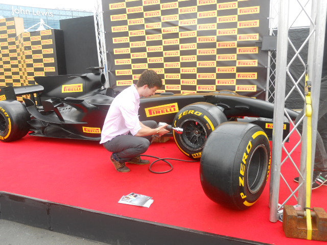 f1 fanzone, formula one, pit stop