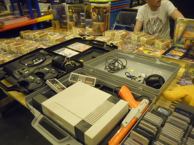 london film and comic convention, game consoles, retro games