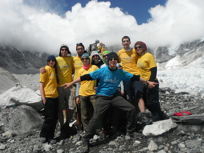 picture of volunteers that climbed to Everest Base camp with me