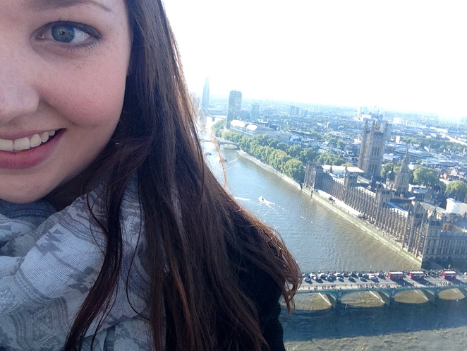Ticket for the London Eye, 19 pounds. Selfie with London as your background, priceless