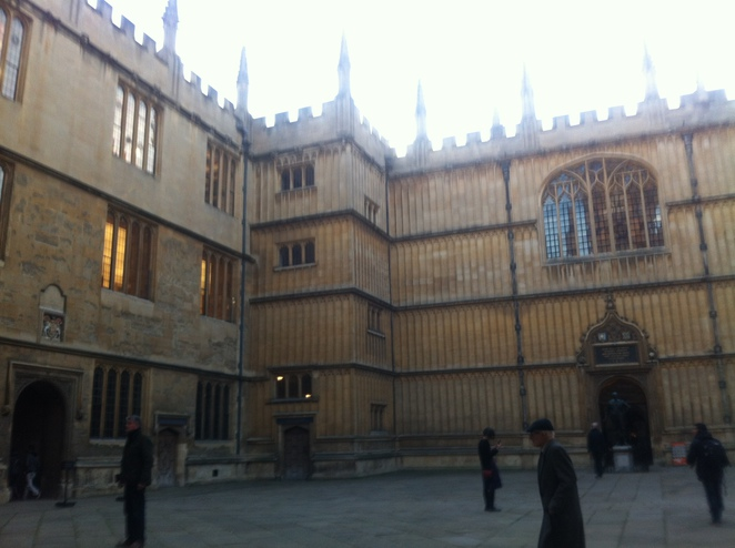 bodleian, library, quad, great, medical, discoveries, exhibition