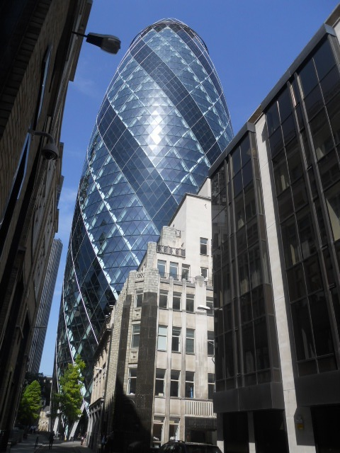 gherkin, 30 St Mary Axe, Swiss Re Building