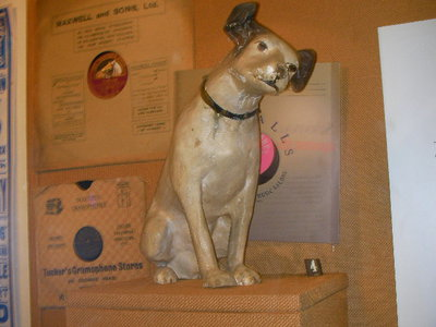 kingston museum, nipper, hmv