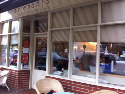 Pierreponts, Goring, Streatley, cafe, restaurant, cakes, lunch, coffee, Thames Path