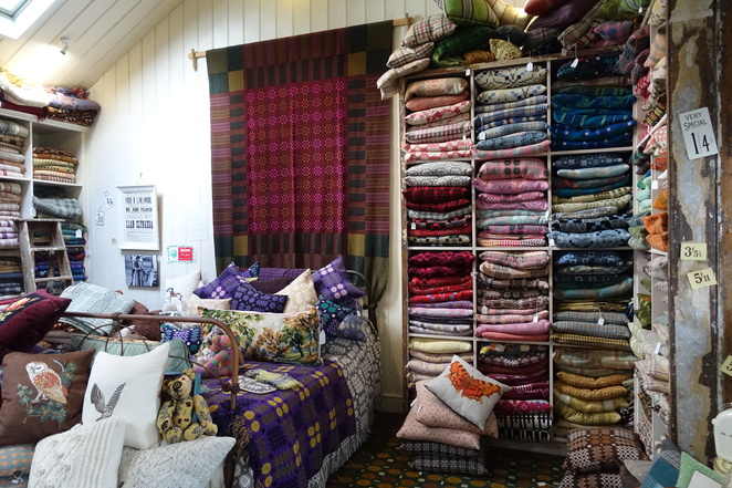 Jane Beck Welsh Blankets,Jane Beck,Welsh blankets,blankets,shopping Wales