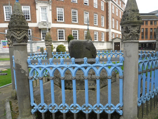 kingston, coronation stone, guildhall