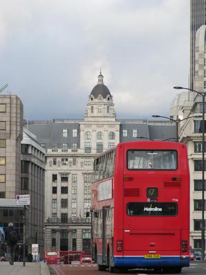 london bus red london bridge