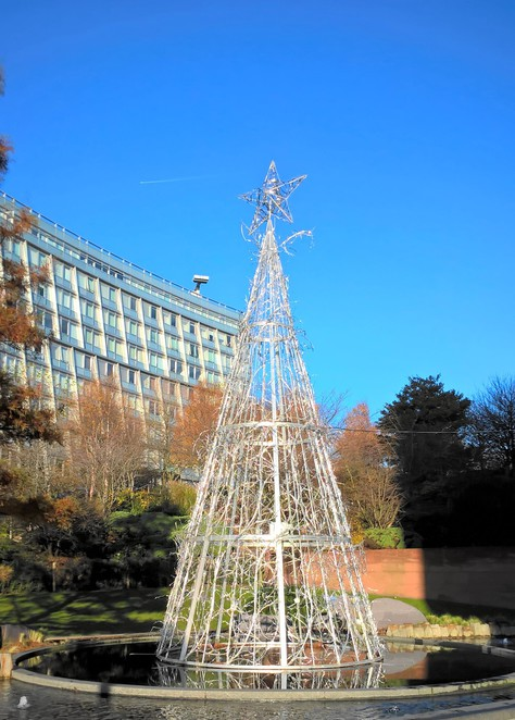 Liverpool One, Tree, Christmas decorations, reindeer, Christmas tree, statues, festive decorating