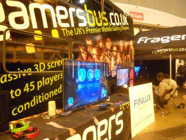gamers' bus, earls court, london film and comic convention, lfcc, xbox, gaming