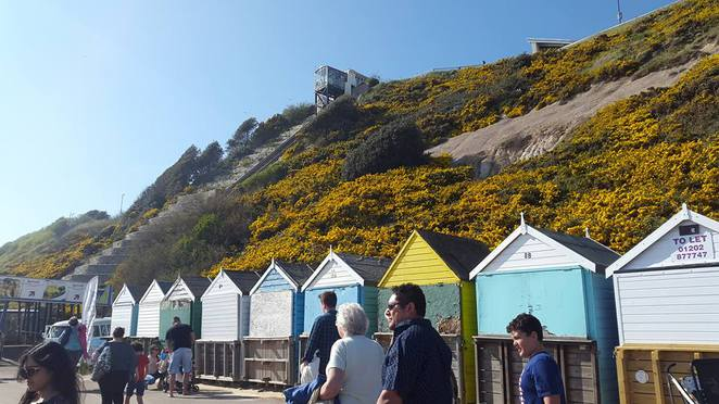 bournemouth, beach, pier, bournemouth beach, oceanarium, family, holiday, beach hut, beach huts, west cliff, zig zag