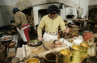 hampton court, tudor, cookery