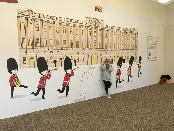 buckingham palace tour for kids, kids at buckingham palace, things for kids at buckingham palace, things to do in london with kids