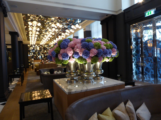 Rosewood Hotel, London, Holborn, Restaurant, Scarfes, Mirror Room, Covent Garden, West End, British Museum, Mirror Room