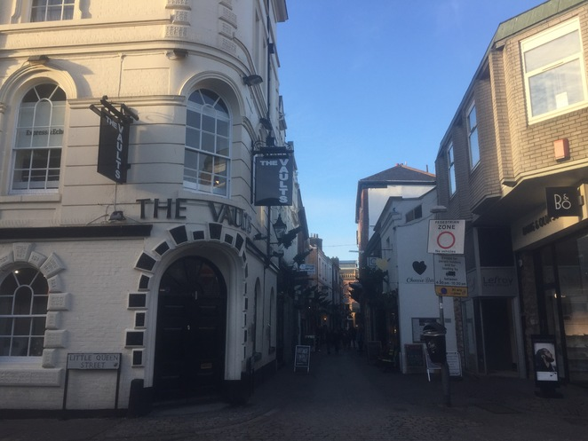 exeter, harry potter, diagon alley, pub, cocktails, magical