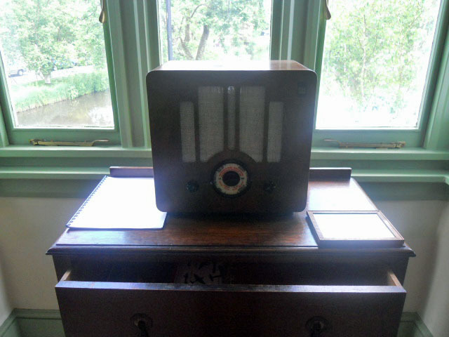 honeywood museum, world war two, radio,