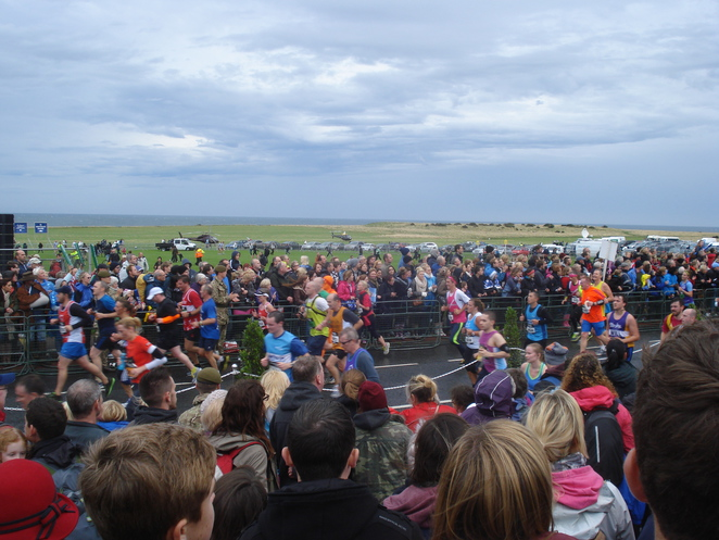 crowds at seafront on gnr day