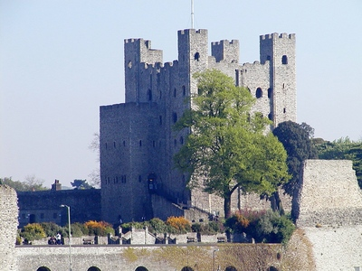 rochester castle, strood, kent, london, sightseeing, attractions