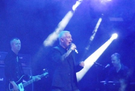 Thunder, Review, Barclaycard Arena Birmingham, Danny Bowes, Wonder Days, Reef