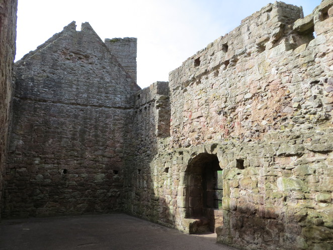 hailes castle, edinburgh, hall, chapel