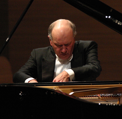 John Lill plays Beethoven