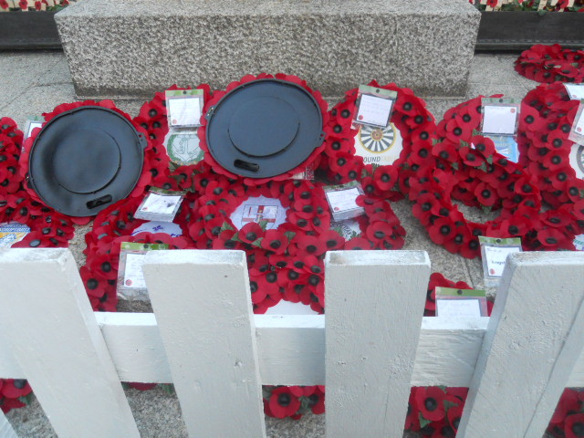 memorial gardens, poppies, remembrance day, kingston