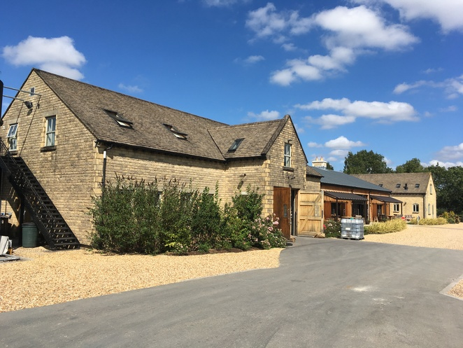 cotswold, distillery, gin, whisky