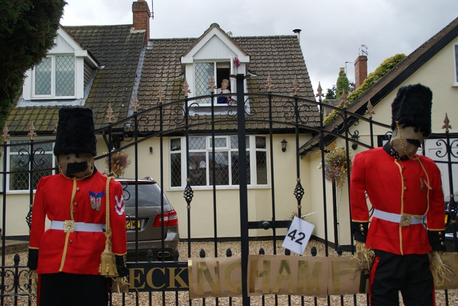 Elford Scarecrow Festival, scarecrows, Buckingham Palace, River Tame