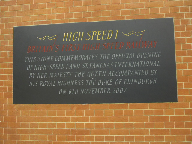 high speed 1, queen, opening, st. pancrass international, eurostar, trains, station king's cross,