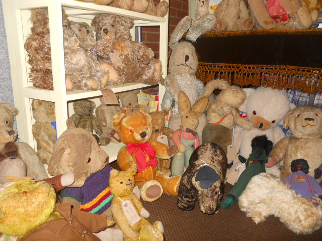hugglets, kensington town hall, teddies winter bearfest