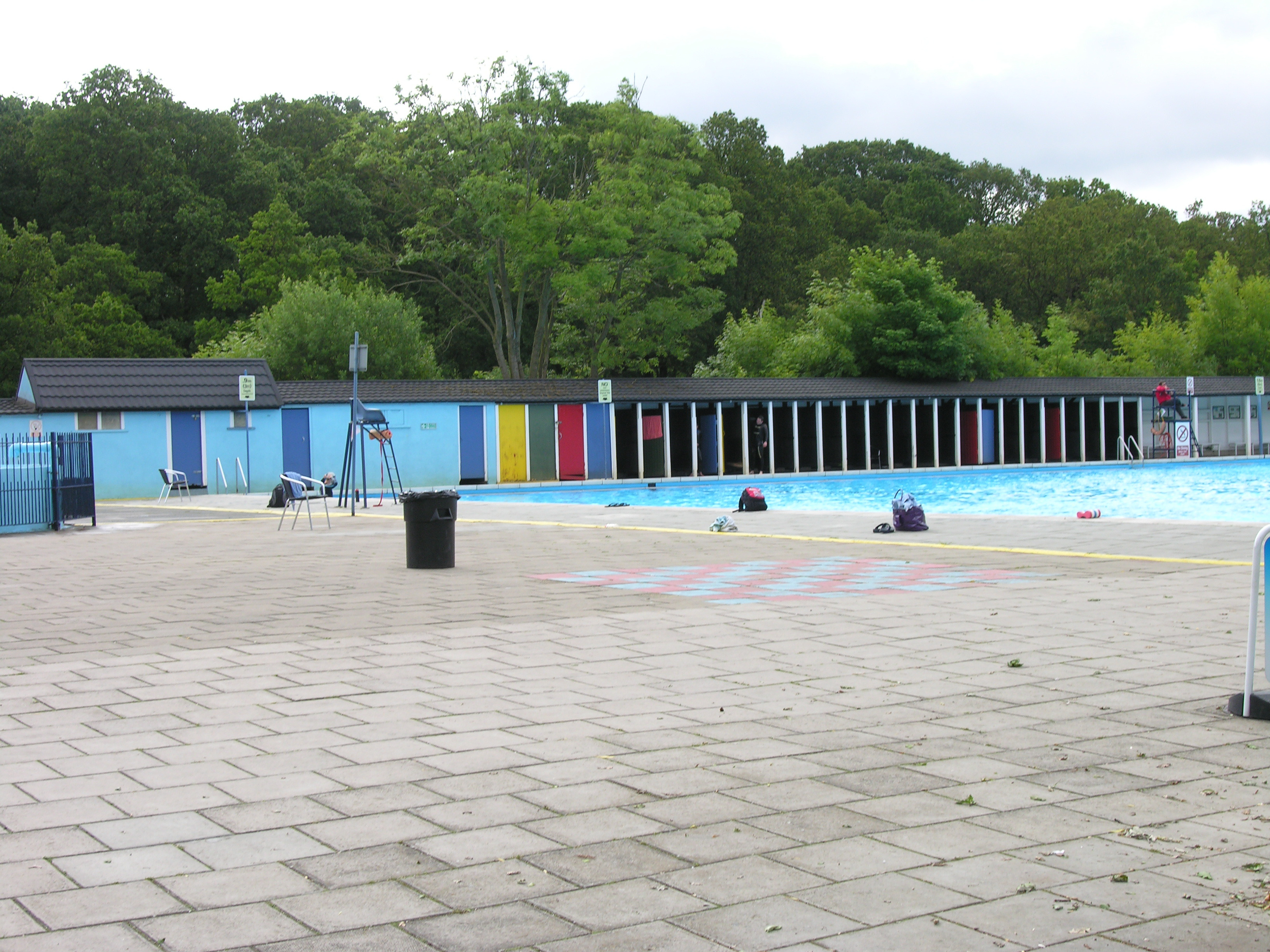 Beat the olympics in tooting london for Tooting bec lido swimming pool
