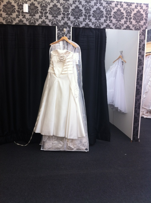 wedding, dress, factory, outlet, burbage