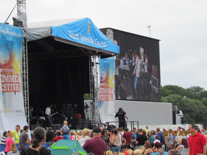 Crowds at ST Festival 2013