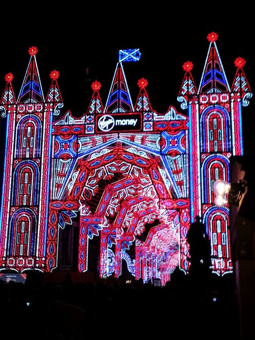 Edinburgh, visitsctoaldn, edinburgh christmas markets, christmas markets in the uk, ferris wheel edinburgh, sta andrews square christmas skating in edinburgh, visit edinburgh, virgin money street of light edinburgh