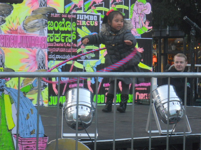 kingston, christmas market, memorial gardens, hula hoop