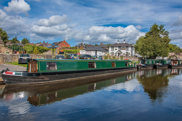 llangollen, boats a llangollen, things to do in north wales, north wales, llangollen camping, aqueduct, trevor basin north wales, visitwales