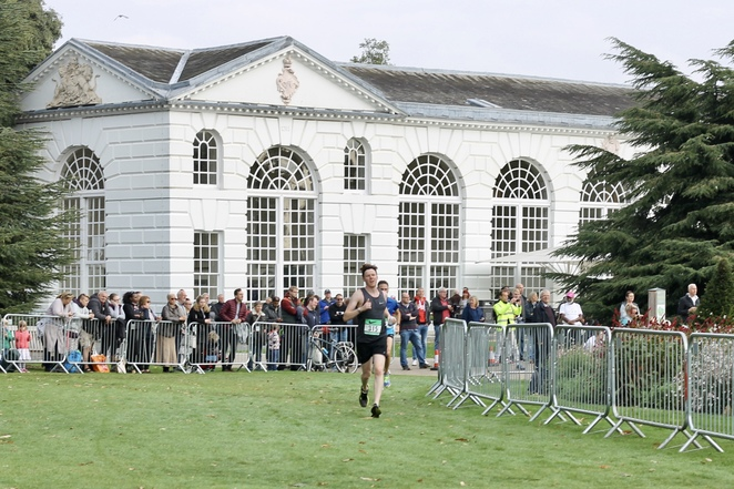 Richmond Runfest's 10km race around Kew Gardens